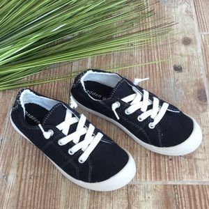 Madden girl lace up shoes
